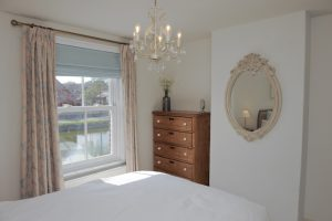 Comfortable self catering cottage accommodation Emsworth Hampshire the South Coast