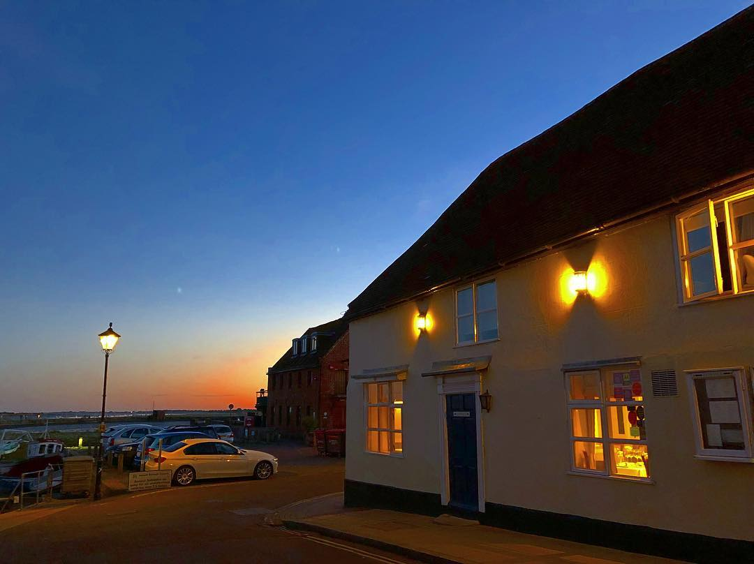Comfortable waterfront accommodation in Emsworth